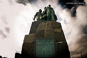 Памятник погибшим рыбакам. Новороссийск